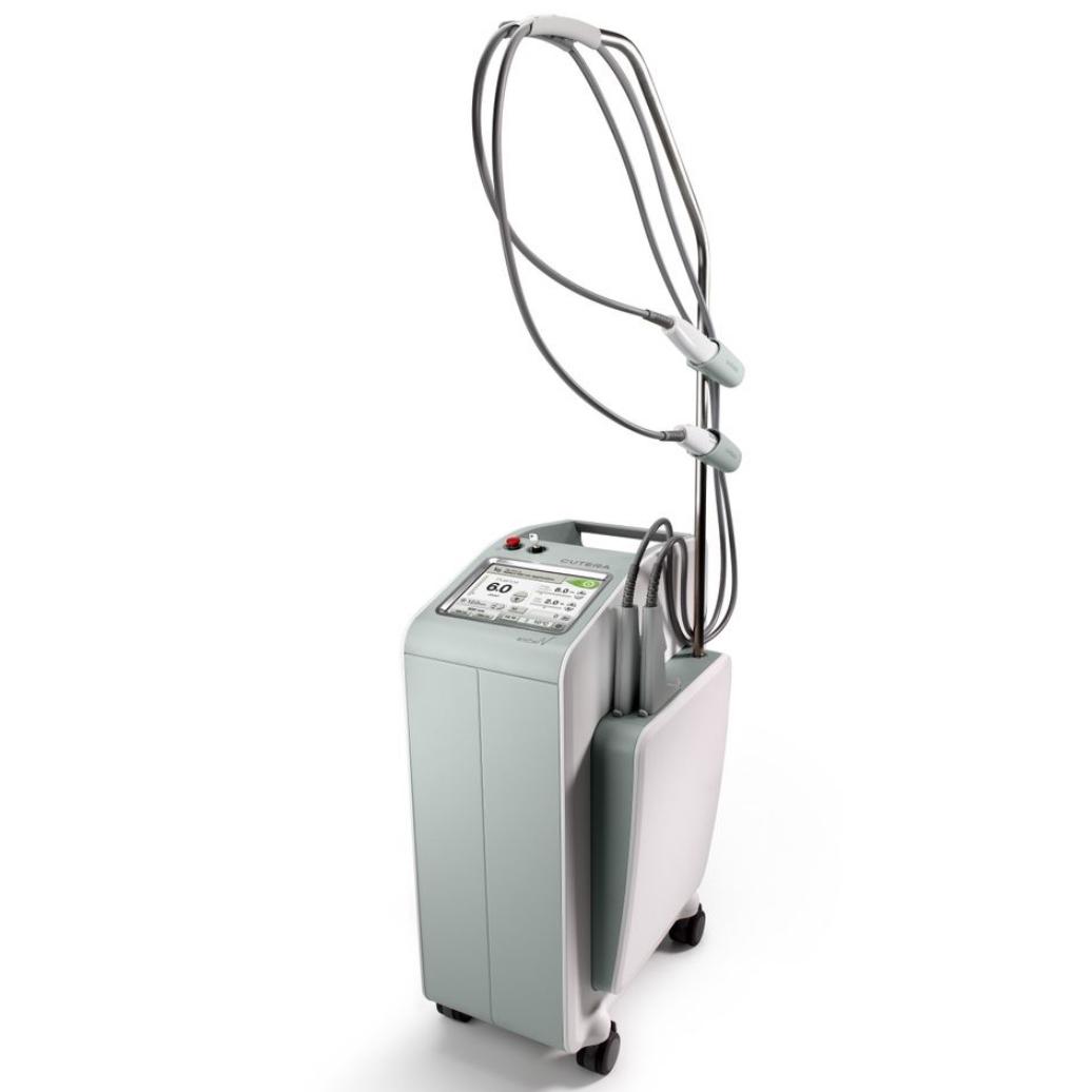 Laser CUTERA Excel HR du Dr EBENGO